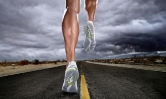 Чим відрізняється біг від спортивної ходьби?