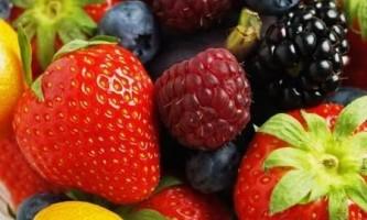 Чим відрізняється фрукт від ягоди?
