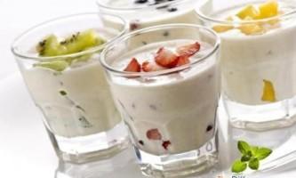 Чим відрізняється йогурт від кефіру?