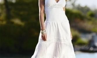 Чим відрізняється сарафан від сукні?