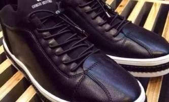 Чим відрізняються чоловічі кросівки від жіночих?