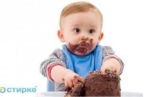 Чим відіпрати старі і свіжі плями від шоколаду