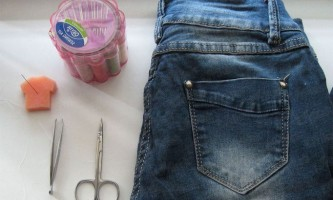 Що робити, якщо дірки на рваних джинсах стали неакуратними (на прикладі шортів)