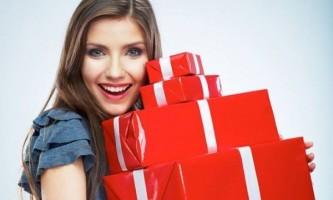 Що подарувати дівчині на день народження?