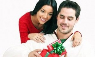 Що подарувати коханому чоловікові на день народження
