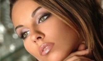 Денний макіяж для зелених очей