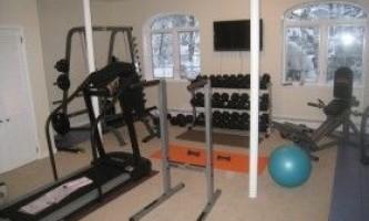 Домашній спортзал для бодібілдингу