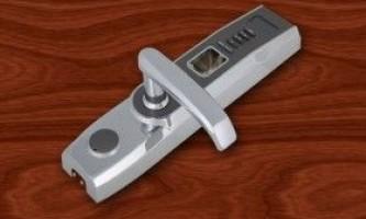 Двері зі сканером відбитків пальців