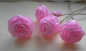 Як робити квіти з гофрованого паперу?