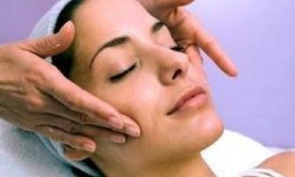 Як робити масаж обличчя