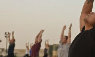Як робити вправи від болю в плечовому суглобі