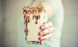 Як вдома зробити молочний коктейль?