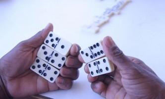 Як грати в доміно: правила, поради і секрети