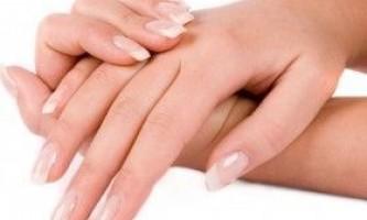 Як використовувати биогель для зміцнення нігтів