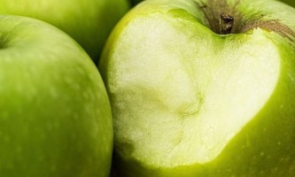 Як позбутися від запаху часнику з рота: 9 варіантів