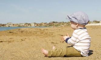 Як навчити малюка сидіти