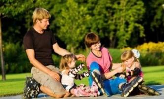 Як навчити дитину кататися на роликах?