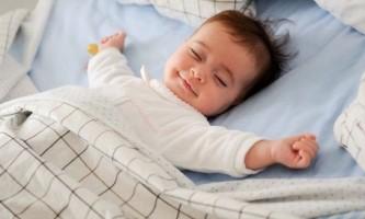 Як навчити дитину засинати самому