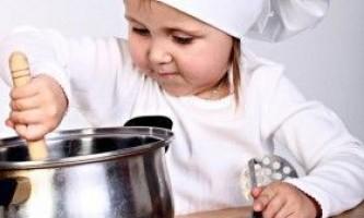 Як навчити дитину готувати?