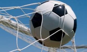 Як навчитися грати в футбол дуже добре?