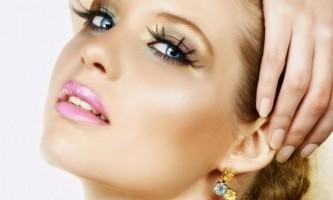 Як навчитися фарбуватися красиво і робити макіяж самій собі?