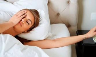 Як навчитися рано вставати і висипатися