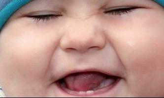 Як відучити дитину кусатися і чому він це робить