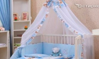 Як повісити балдахін на ліжечко немовляти