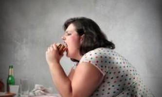 Як правильно боротися з переїданням