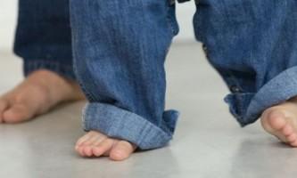 Як правильно підібрати взуття дитині
