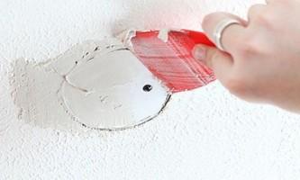 Як правильно шпаклювати стелю