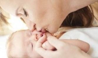 Як правильно доглядати за новонародженими?