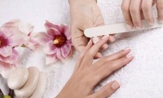 Як надати нігтям красиву форму?