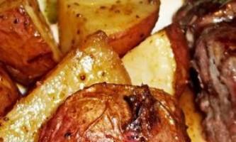 Як приготувати м`ясо з картоплею в горщиках: добірка найсмачніших рецептів