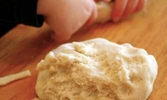 Як приготувати солоне тісто для ліплення?
