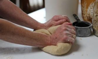Як зробити дріжджове тісто