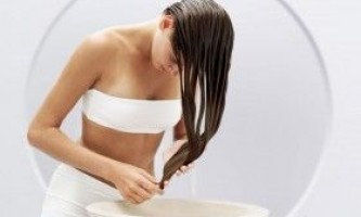 Як змити фарбу з волосся?