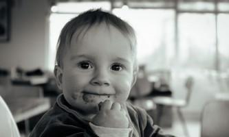 Як зварити кашу для першого прикорму малюка