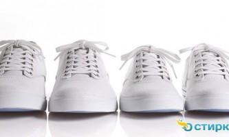 Як вручну випрати спортивні кросівки