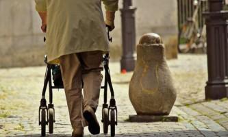 Як вибрати ходунки для людей похилого віку