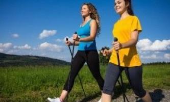 Яка користь від скандинавської ходьби?