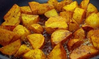 Які страви можна приготувати з картоплі?