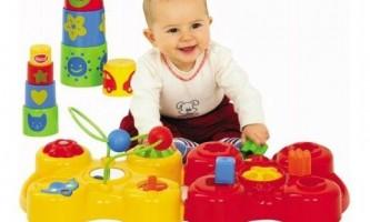 Які іграшки потрібні дитині в 1 рік?