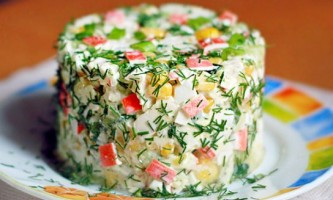 Який салат можна зробити з крабових паличок?
