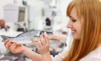 Яку рибу можна мамі, що годує?
