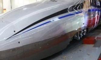 Китай випробував супершвидкісний потяг, здатний розвивати швидкість 500 км на годину