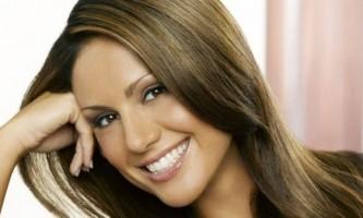 Колорування на темне волосся, які відтінки вибрати?