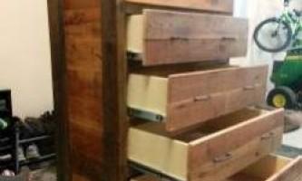 Комод зі старої деревини своїми руками