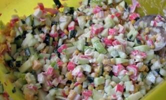 Крабовий салат - рецепт без рису