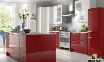 Червоний колір в інтер`єрі кухні: стильно і яскраво